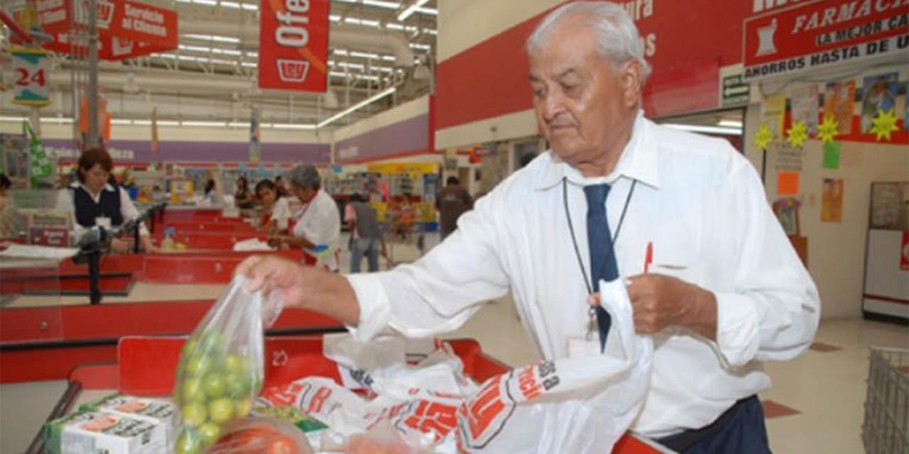 Abuelitos ya pueden volver como empacadores voluntarios: INAPAM | El Imparcial de Oaxaca