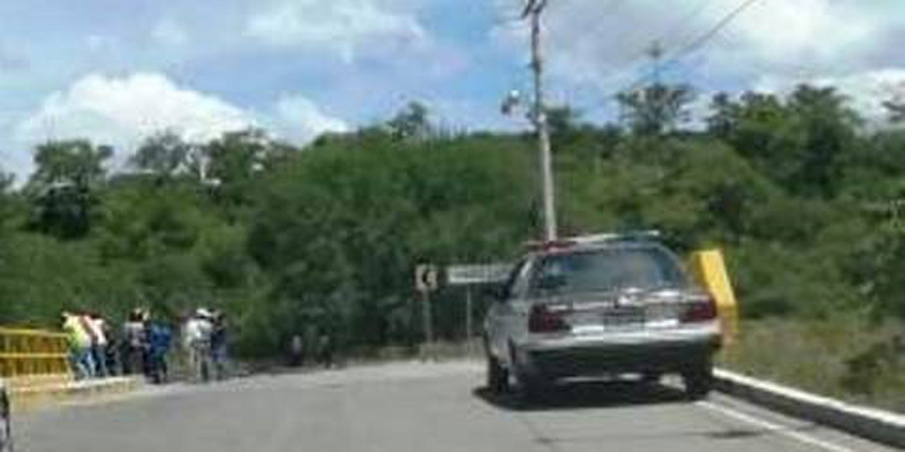 Una falla mecánica provoca volcadura   El Imparcial de Oaxaca