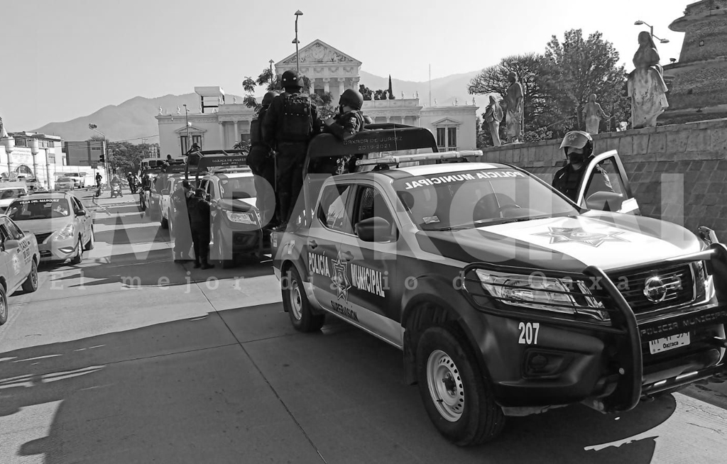 En imágenes, operativo de seguridad para evitar acciones violentas de los normalistas en Oaxaca | El Imparcial de Oaxaca