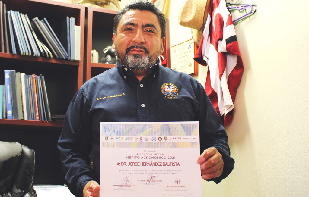Otorgan Mérito Agronómico 2021 a investigador de Veterinaria de la UABJO | El Imparcial de Oaxaca
