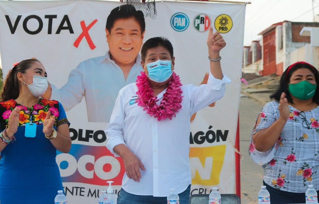 Coco León es recibido por su barrio natal, el de Las Hormigas en Salina Cruz | El Imparcial de Oaxaca