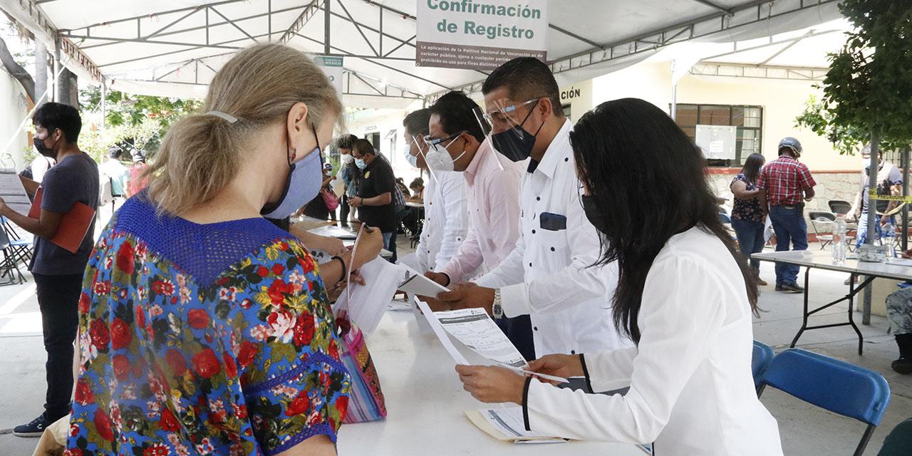 Activa participación de UABJO en vacunación contra Covid-19   El Imparcial de Oaxaca