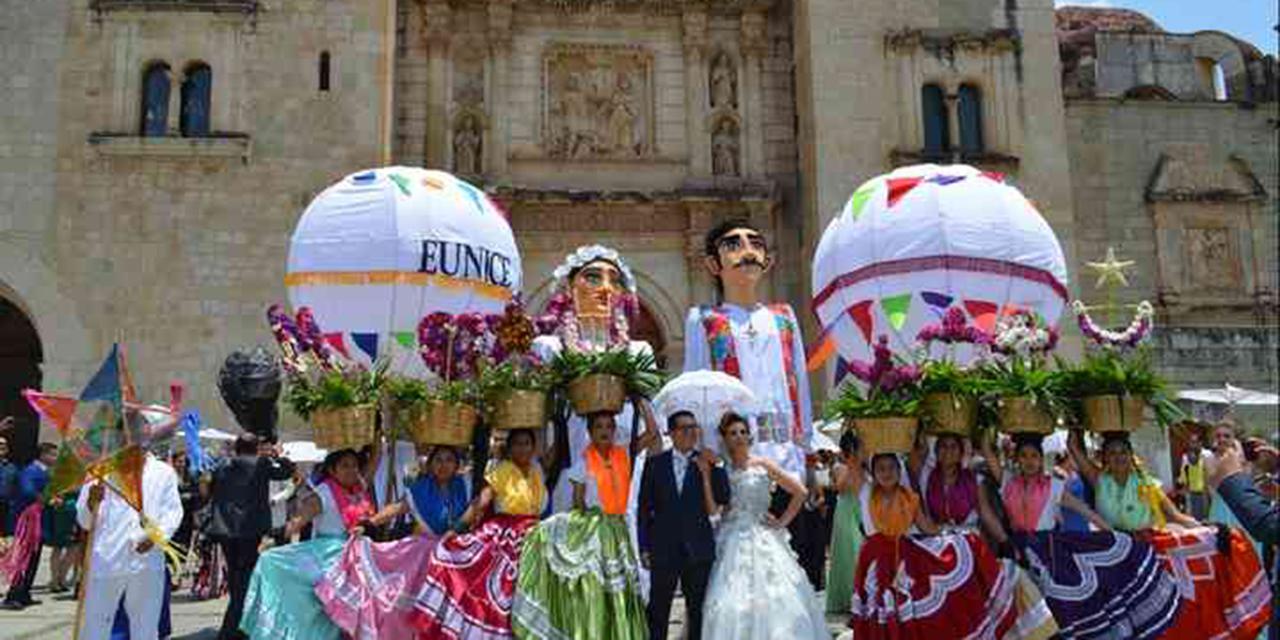 Pese a prohibición, realizan calendas en eventos sociales | El Imparcial de Oaxaca