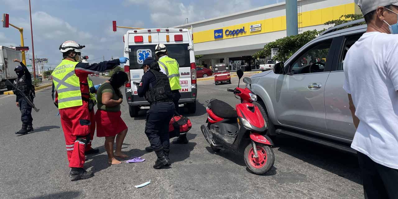 Choca mujer motociclista | El Imparcial de Oaxaca