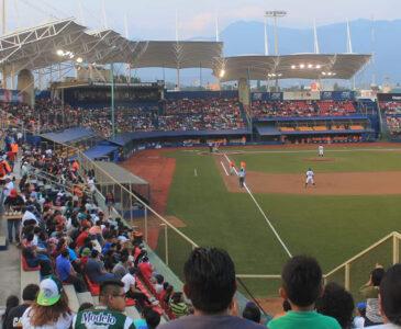 Reabren estadio de béisbol bajo medidas sanitarias