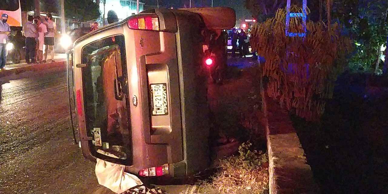 Vuelca su automóvil en Salina Cruz   El Imparcial de Oaxaca