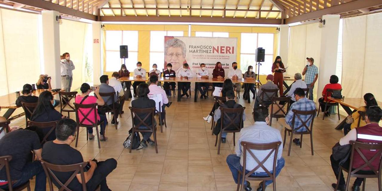 Francisco Martínez Neri realiza encuentro con artistas oaxaqueños | El Imparcial de Oaxaca