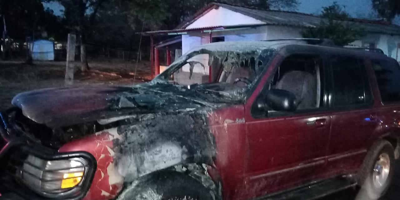 Se quema camioneta en Pinotepa | El Imparcial de Oaxaca