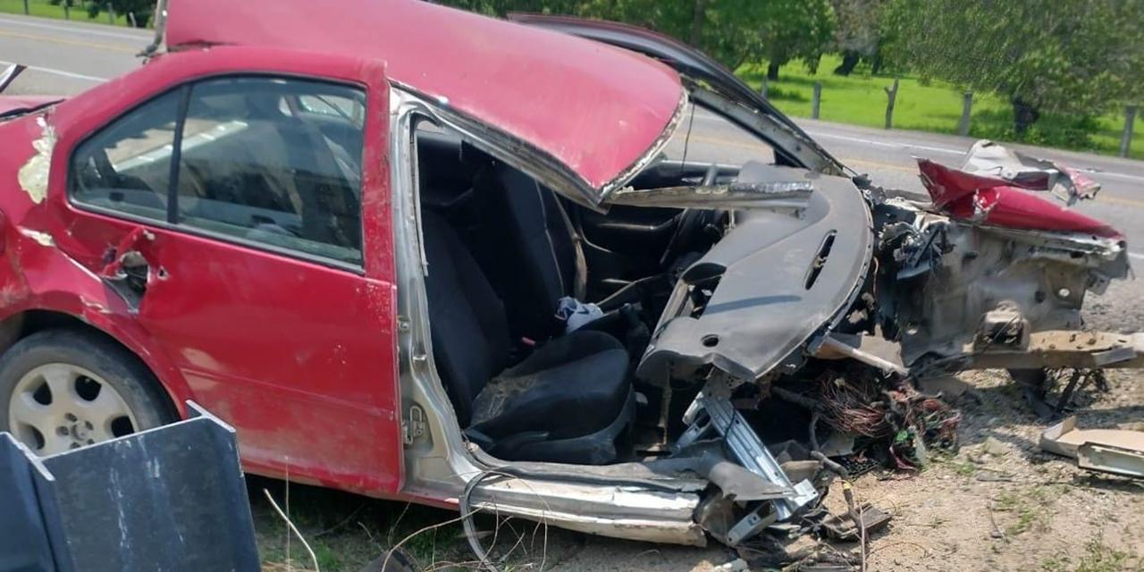 5 jóvenes sufren aparatoso accidente en carretera a Chahuites   El Imparcial de Oaxaca