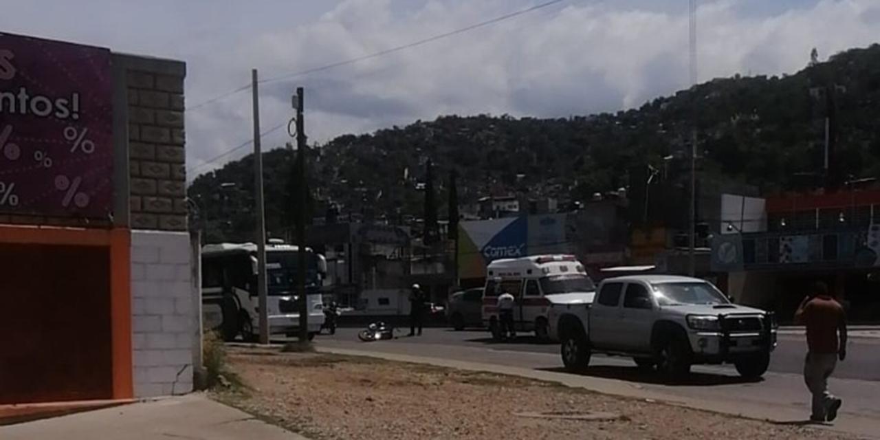 Urbano atropella a un motociclista cerca del Monumento a la Madre | El Imparcial de Oaxaca