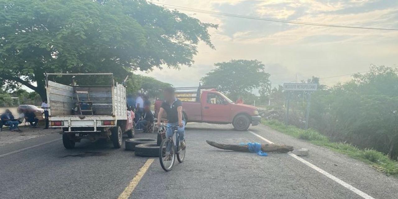 Sigue bloqueo de trabajadores del SAP en Juchitán   El Imparcial de Oaxaca