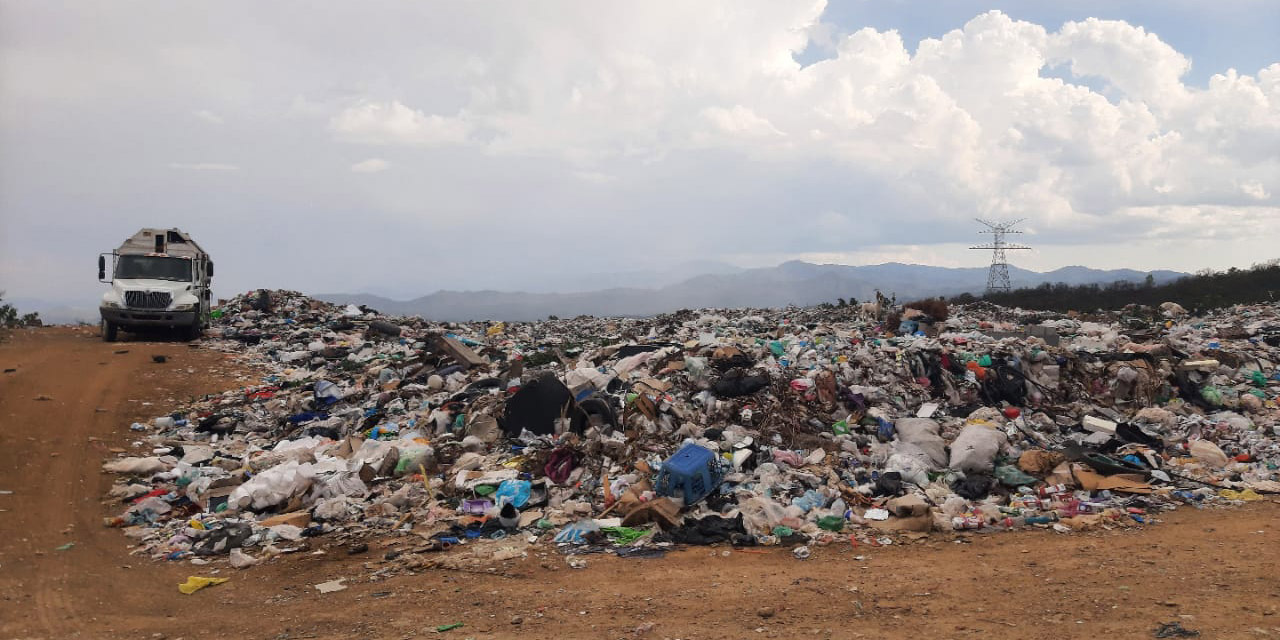 Basurero al aire libre en Telixtlahuaca representa un foco de infección | El Imparcial de Oaxaca