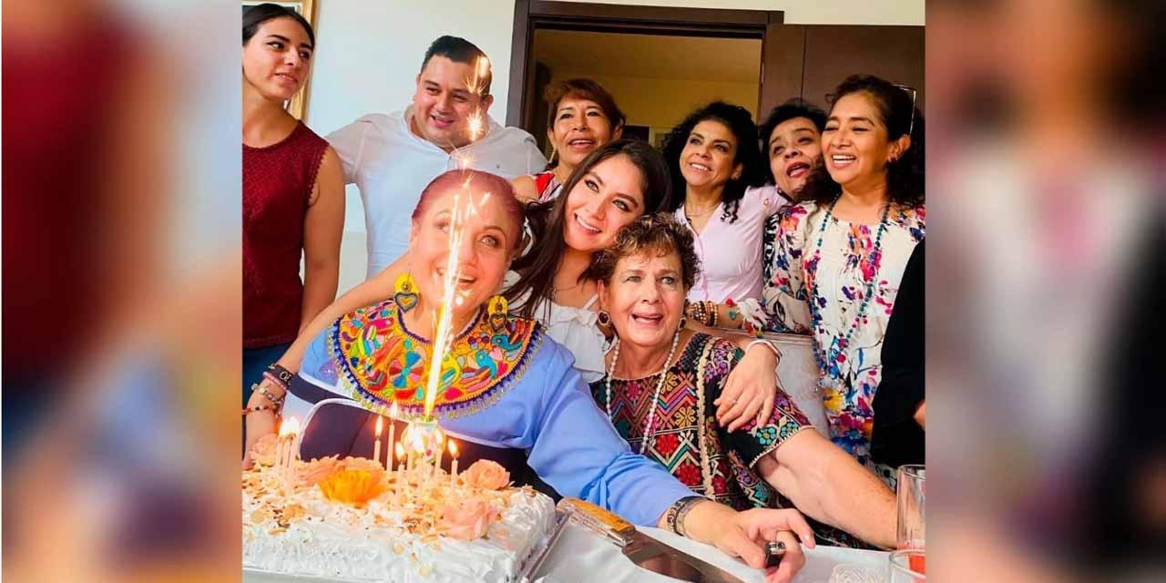 Festejan a Ariadna con comida y pastel | El Imparcial de Oaxaca