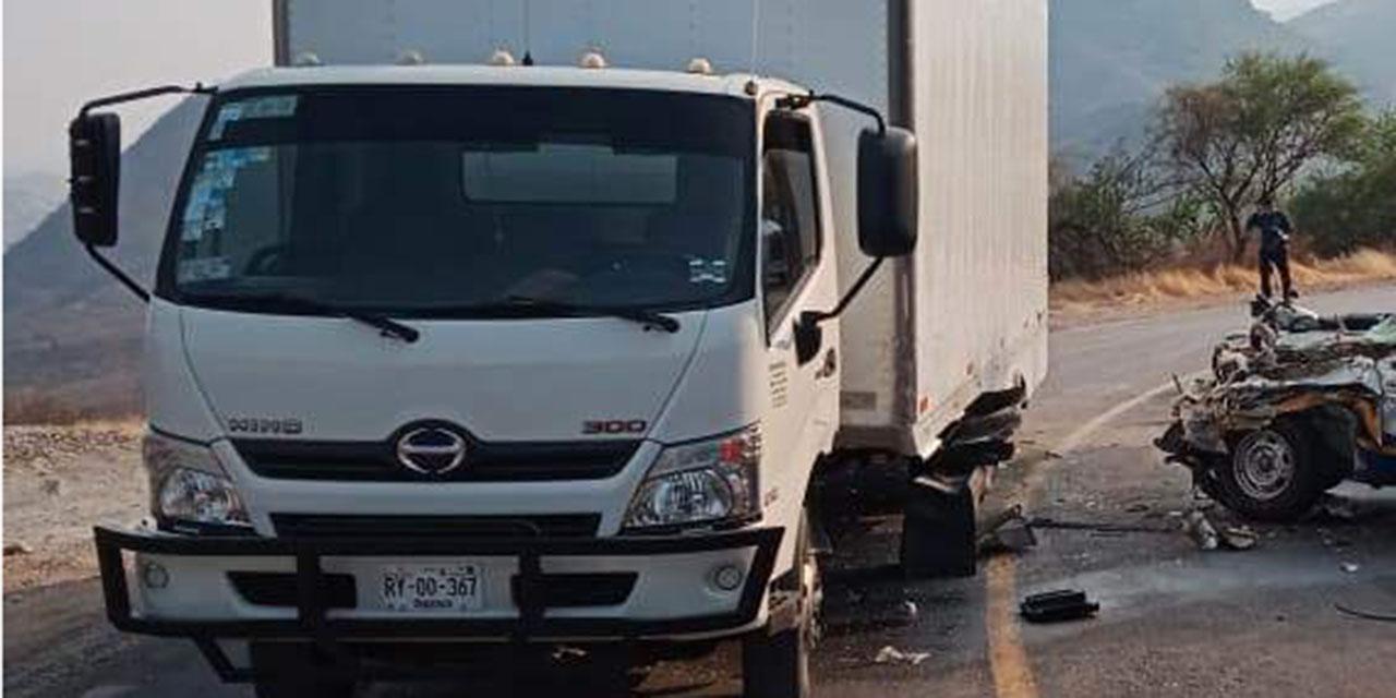 Aparatoso choque en carretera a Juxtlahuaca   El Imparcial de Oaxaca