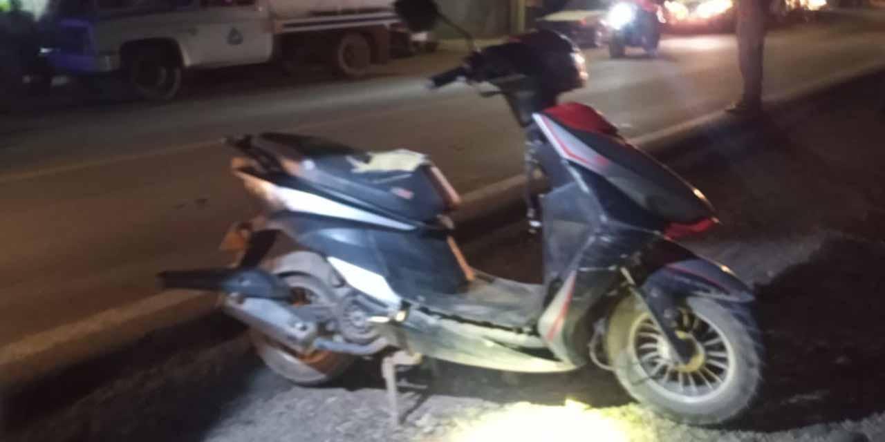 Se estampa en moto contra un automóvil | El Imparcial de Oaxaca