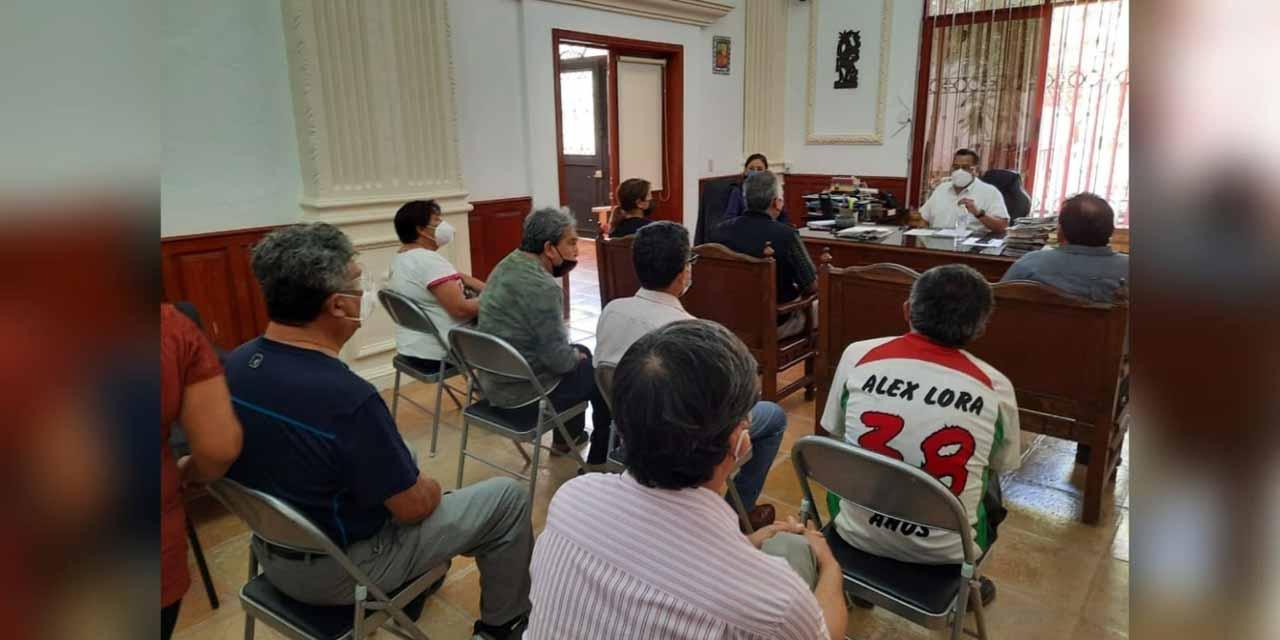 Tras meses sin agua, se manifiestan habitantes de la calle Jiménez | El Imparcial de Oaxaca