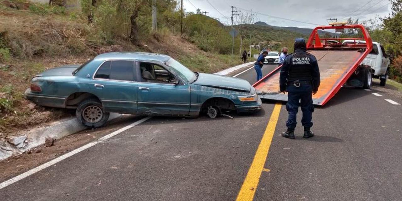 Aparatosa volcadura en La Junta   El Imparcial de Oaxaca