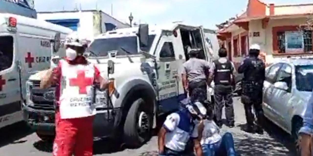 Camioneta de valores embiste a una mujer en el Centro de Oaxaca | El Imparcial de Oaxaca