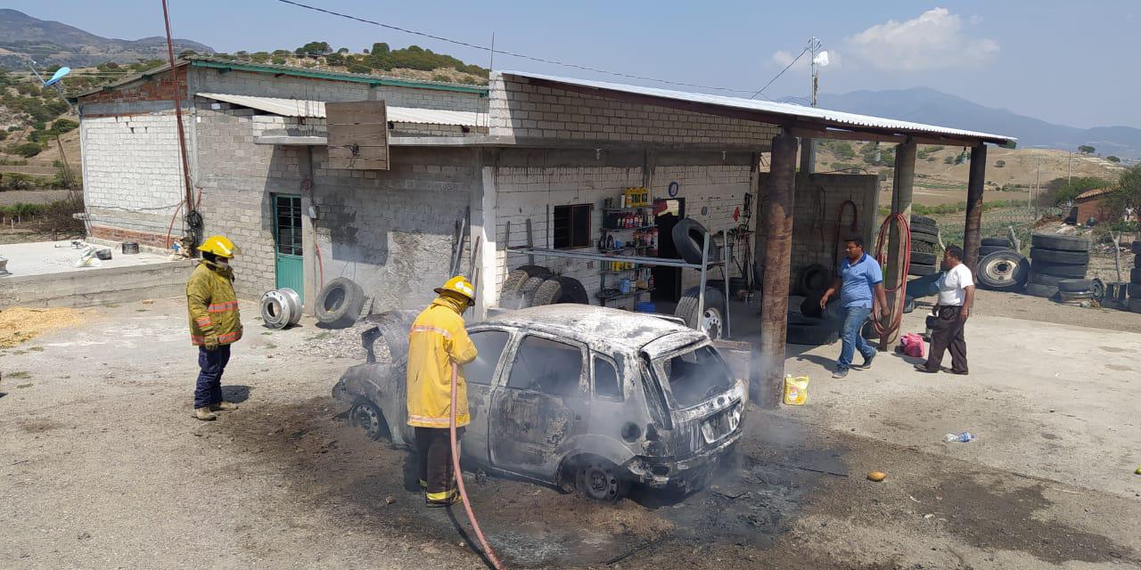 Auto se incendia tras sufrir falla eléctrica en San Dionisio Ocotepec   El Imparcial de Oaxaca