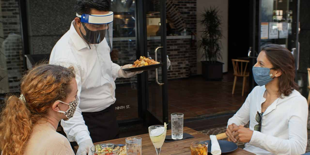 ¿Qué legal es que los restaurantes retengan las propinas de los meseros?   El Imparcial de Oaxaca