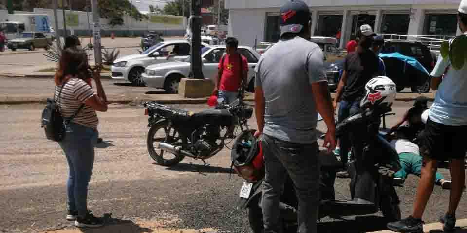 Motociclistas azotan  por gravilla suelta   El Imparcial de Oaxaca