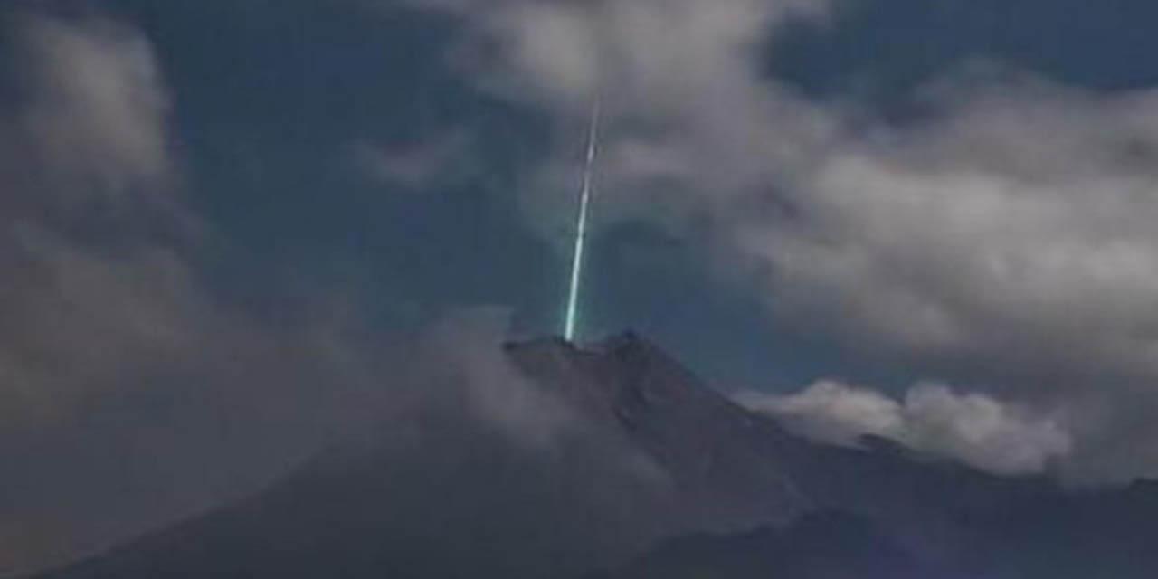Meteorito cae del cielo y 'entra' en cráter de volcán | El Imparcial de Oaxaca