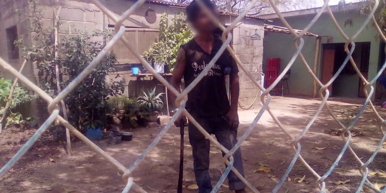 Agresivo sujeto amenaza a la policía en Tehuantepec   El Imparcial de Oaxaca