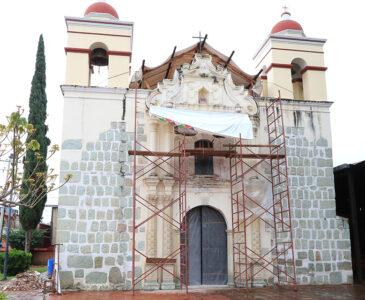 A 3 años de los sismos, restauran parroquia de Santa Cruz Amilpas