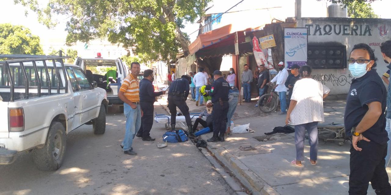 Les cortan el paso a motociclistas y salen disparados   El Imparcial de Oaxaca