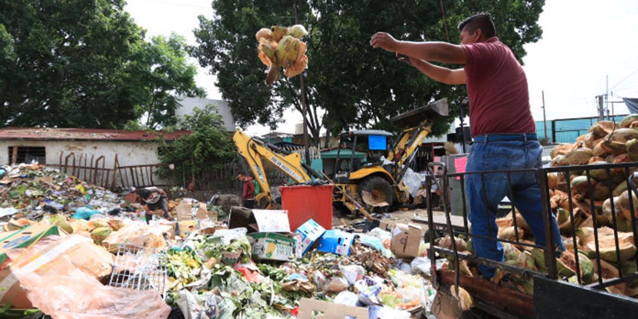 Recolectores de desechos de Oaxaca exigen insumos y equipo   El Imparcial de Oaxaca