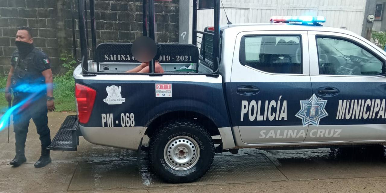 Se quita la ropa en Salina Cruz y se introduce en camioneta ajena | El Imparcial de Oaxaca