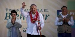 AMLO anuncia 4 mmdp para Oaxaca durante su gira en la Costa