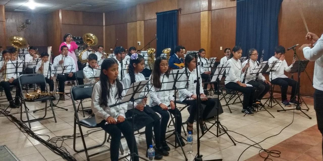 La Santa Cecilia y la filarmónica de Ayutla alistan colaboración | El Imparcial de Oaxaca