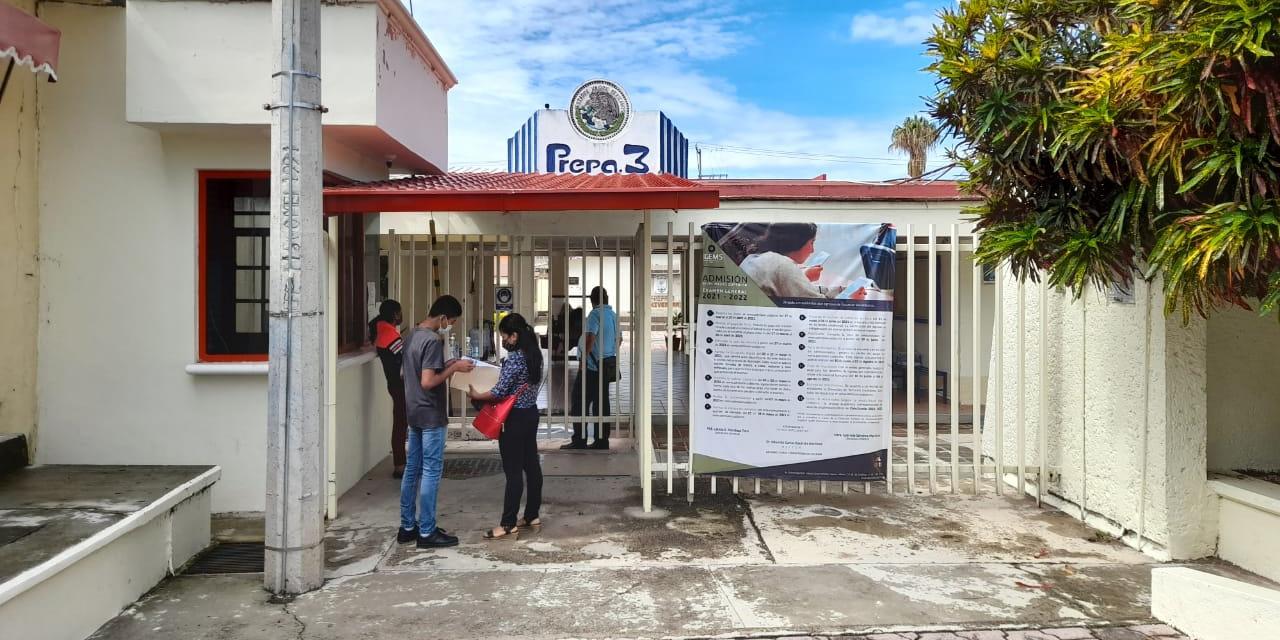 Rebasan el cupo para ingresar a Prepa 3 de Huajuapan de León | El Imparcial de Oaxaca