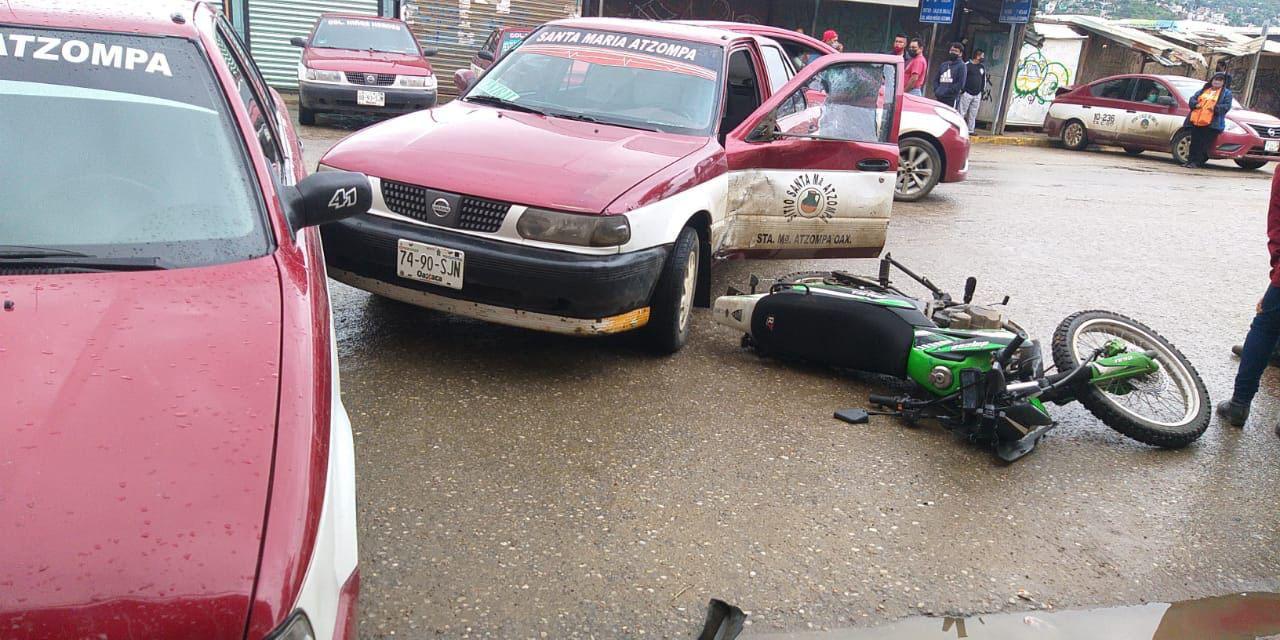 Se estampa contra taxi en la Central de Abasto | El Imparcial de Oaxaca