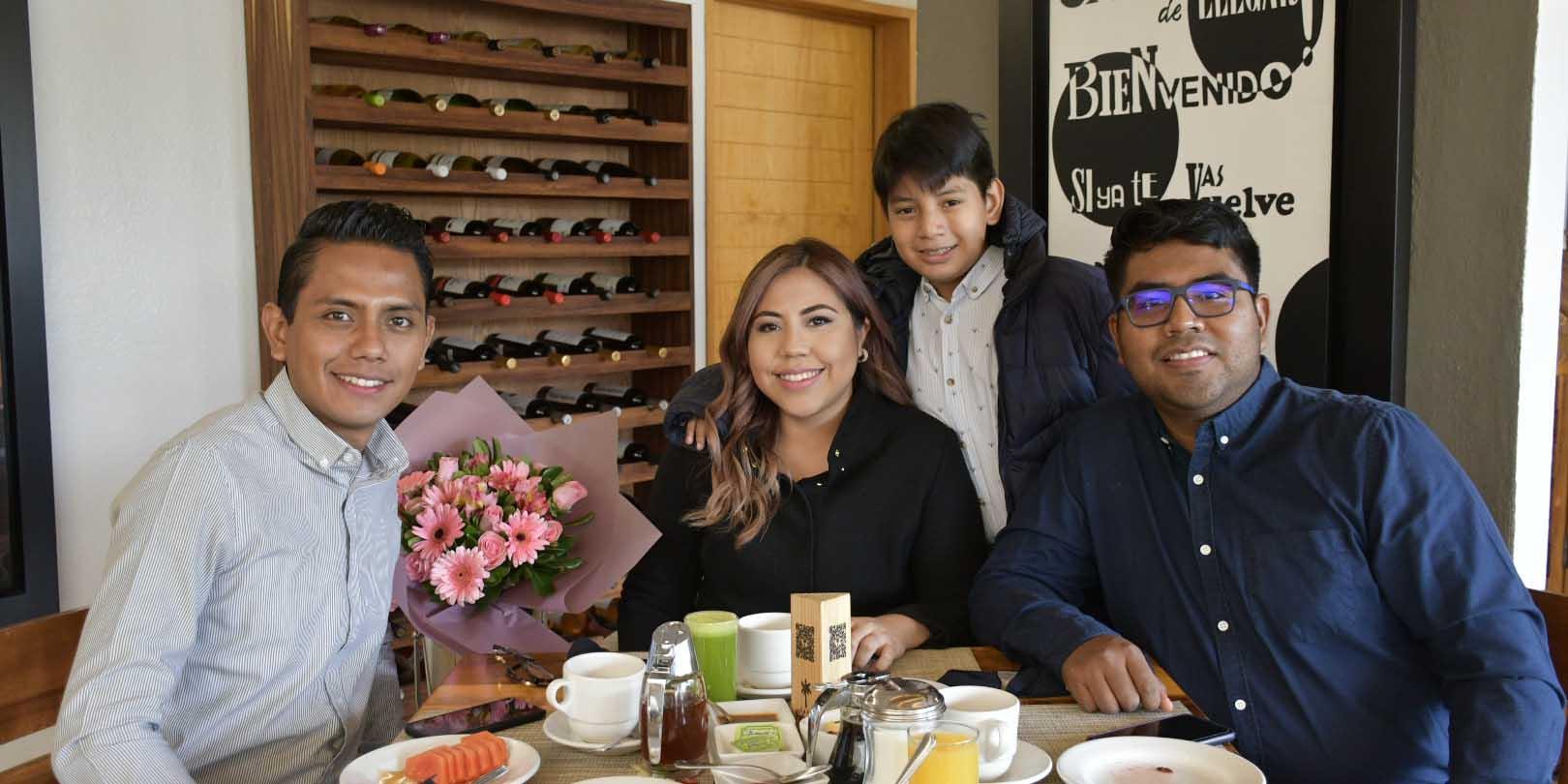 Celebran el cumple de Itzel   El Imparcial de Oaxaca