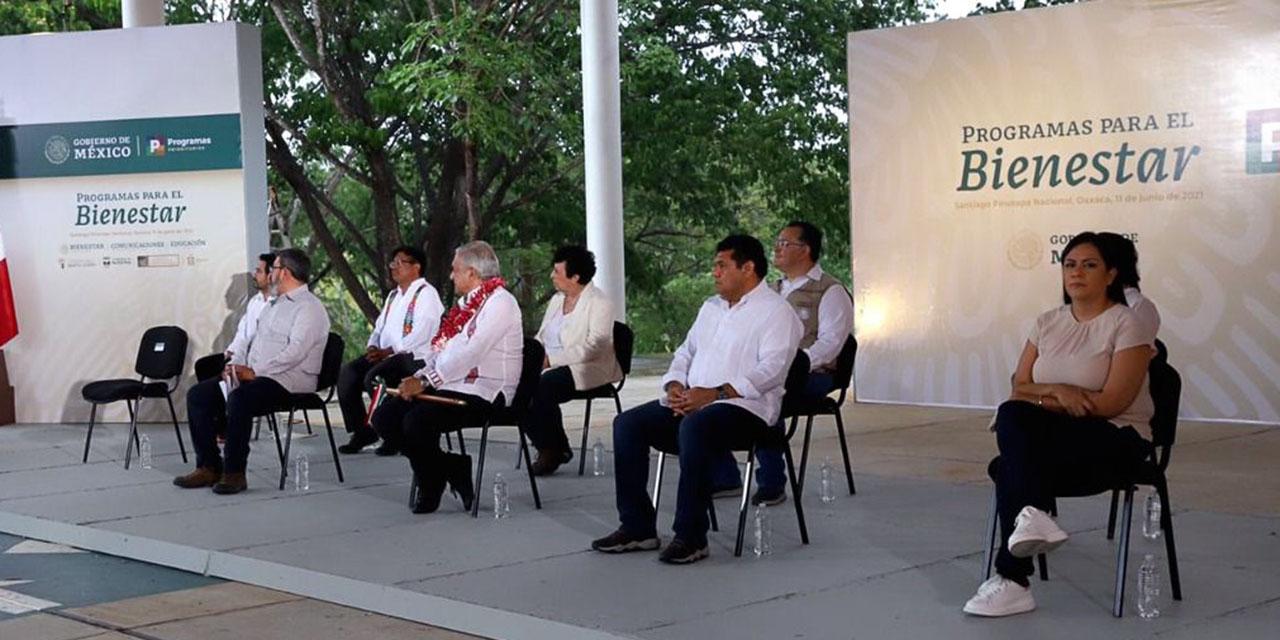 AMLO y Murat evalúan programas de apoyo en la Costa | El Imparcial de Oaxaca