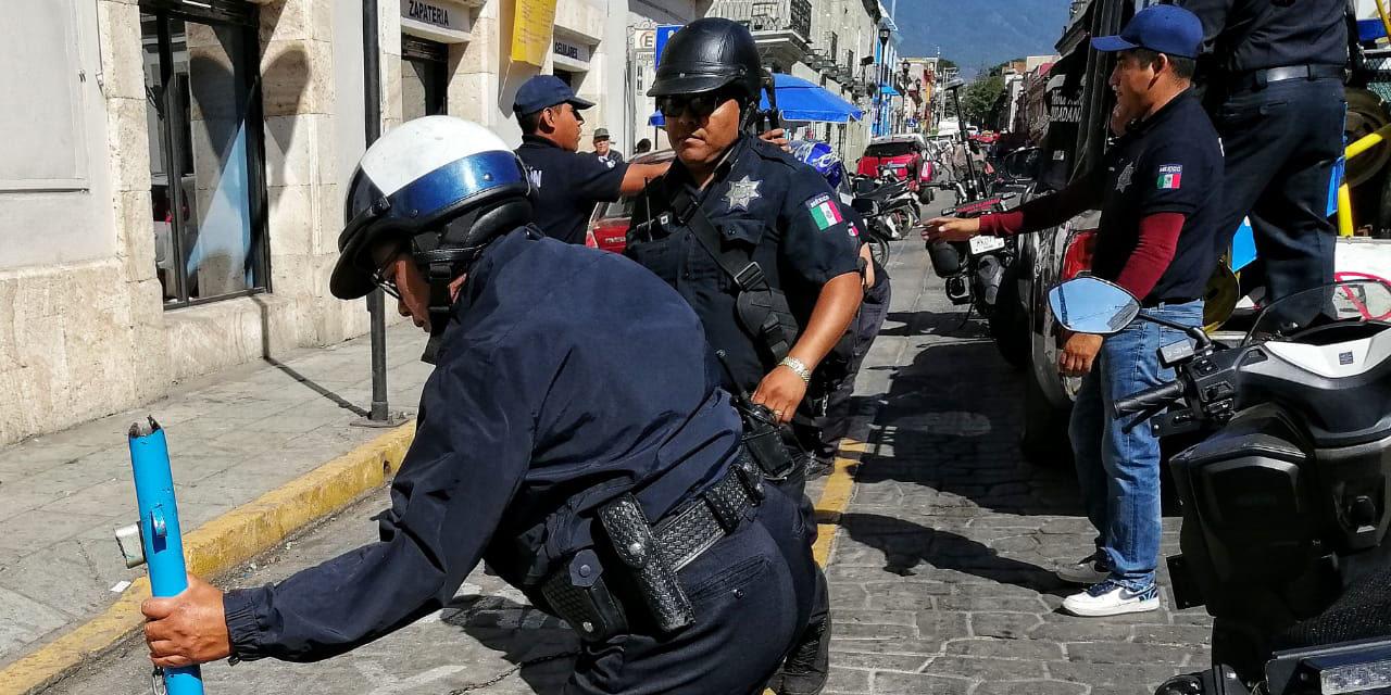 Ciudadanía insiste en acaparar la vía pública   El Imparcial de Oaxaca