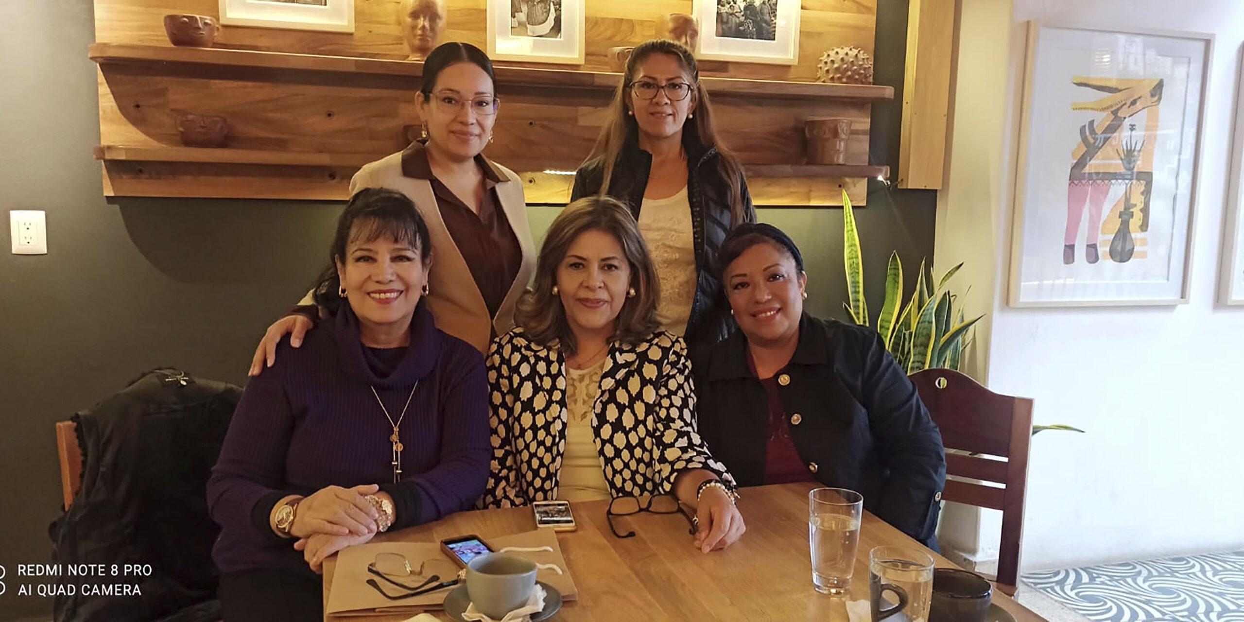 Celebran a  Laura Avendaño   El Imparcial de Oaxaca