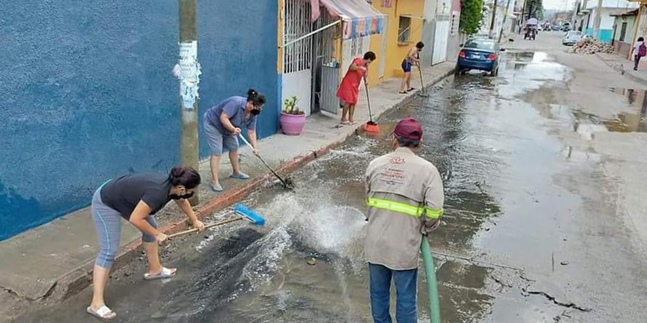 Aumentan los reclamos por fugas de aguas negras en Salina Cruz | El Imparcial de Oaxaca