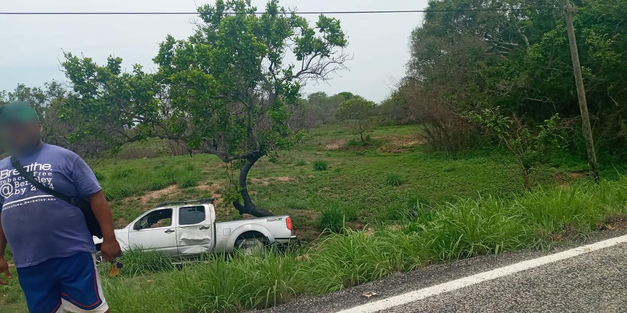 Se accidentan camionetas en carreteras de la Costa   El Imparcial de Oaxaca