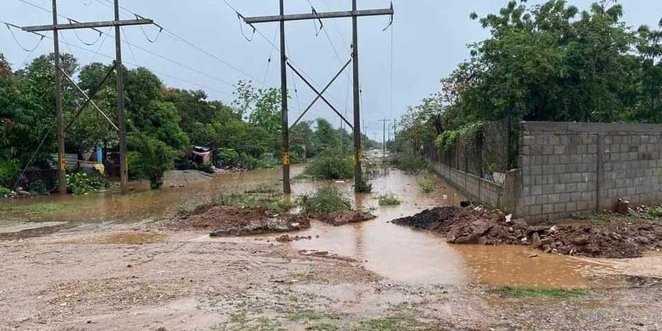 Desatiende Vilma colonias inundadas   El Imparcial de Oaxaca