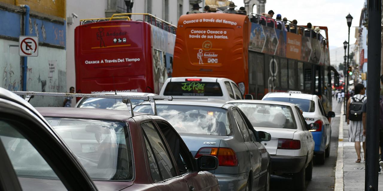 """Oaxaqueños pierden el 12% de su tiempo por """"tráfico""""   El Imparcial de Oaxaca"""