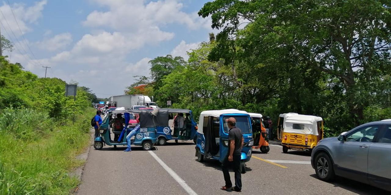 Familia de reo bloquea Carretera Transítsmica   El Imparcial de Oaxaca
