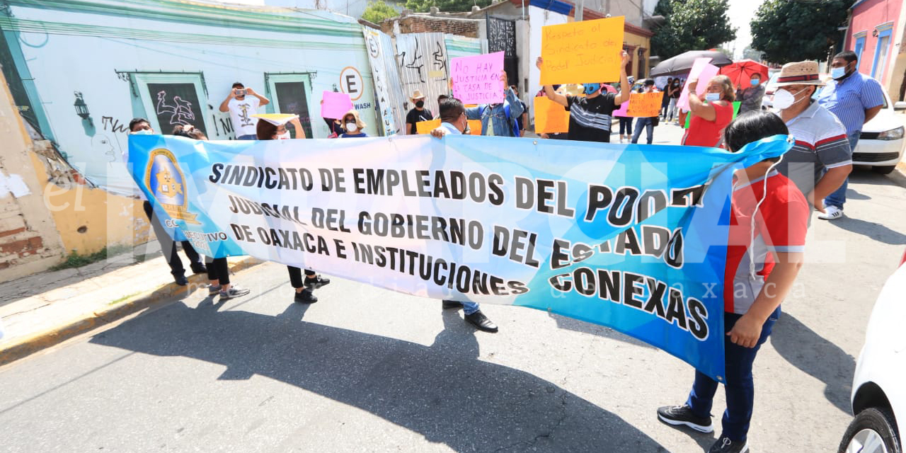 Sindicalizados del Poder Judicial de Gobiernos del Estado marchan para exigir mejores condiciones laborales   El Imparcial de Oaxaca