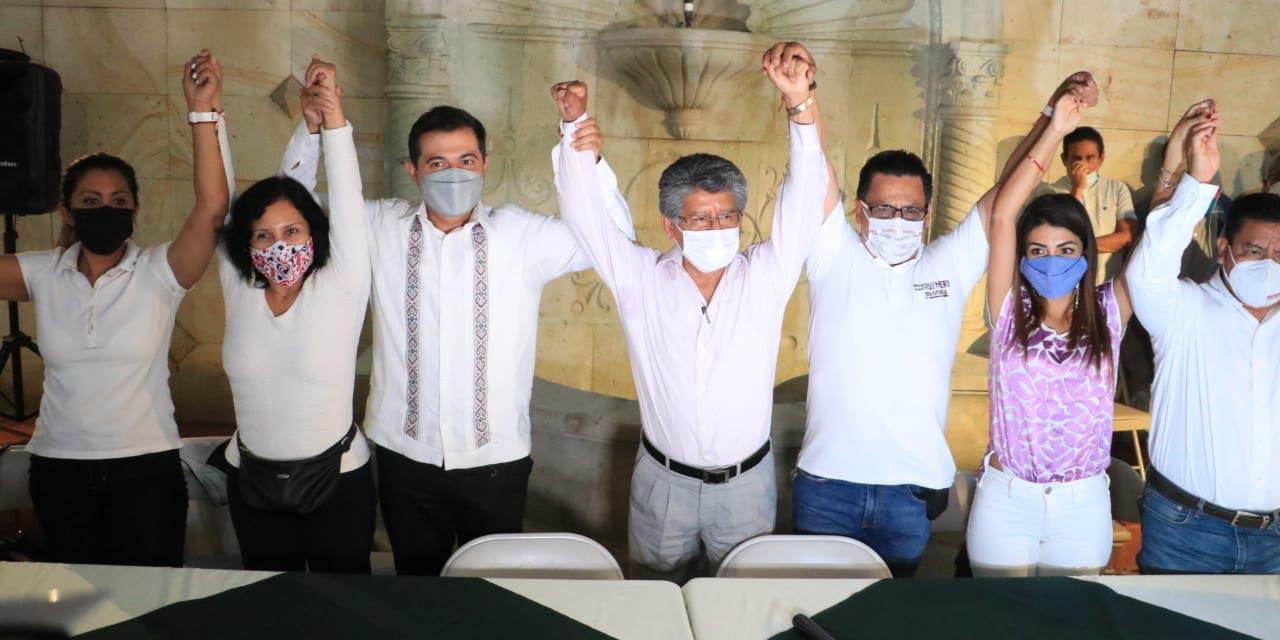 Neri festeja conforme se confirmaba la ventaja | El Imparcial de Oaxaca