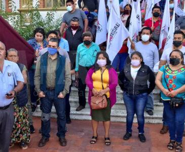 Piden justicia por los 15 muertos de Huazantlán del Río