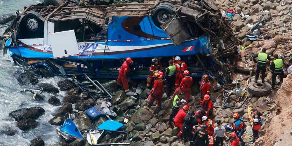 En Perú, autobús cae al abismo y deja por lo menos 15 muertos   El Imparcial de Oaxaca