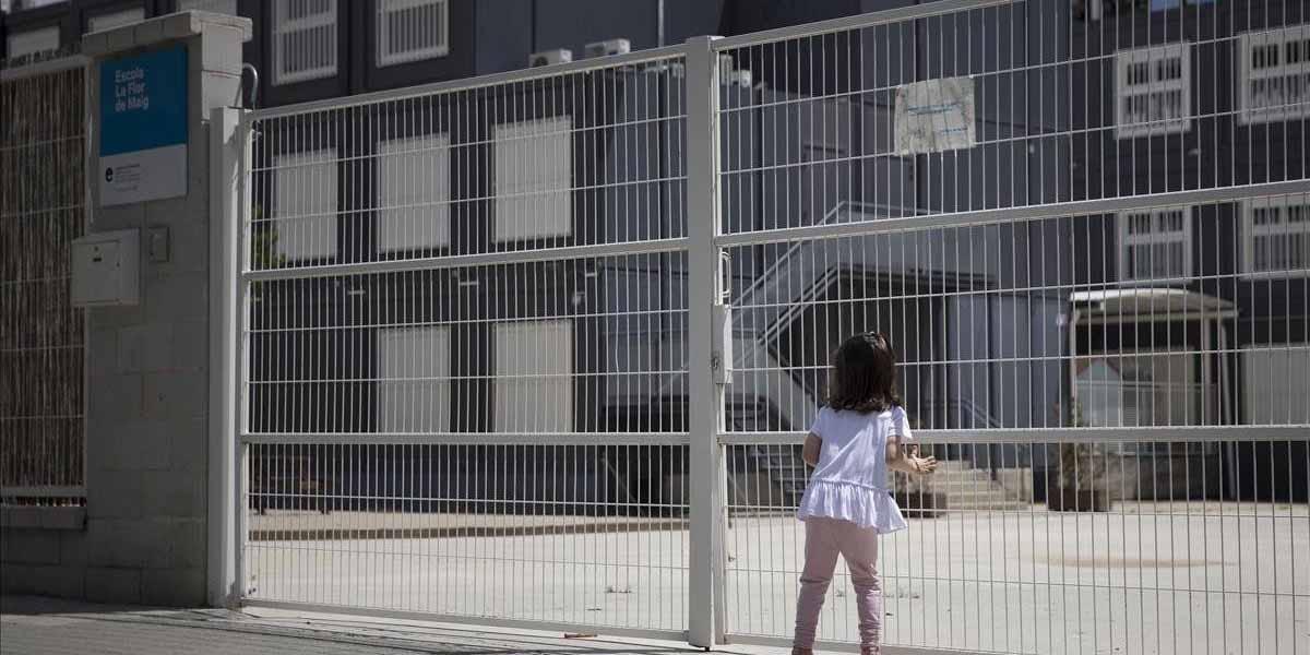 Alumnos llegan a tomar clases a secundaria, pero nadie les abre   El Imparcial de Oaxaca