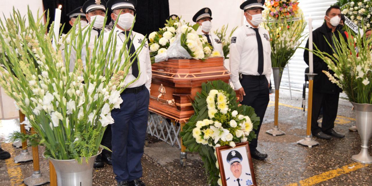 Rinden homenaje a comandante acaecido   El Imparcial de Oaxaca